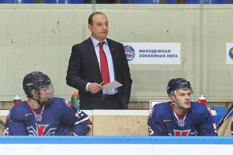 Картинки по запросу Виктор Гордиюк, старший тренер «Крыльев Советов»